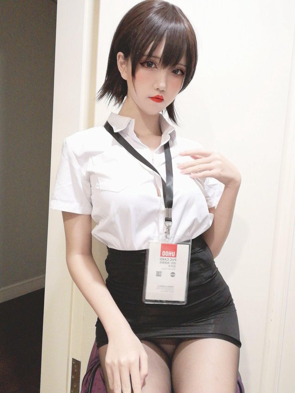 微博人气Coser@阿薰kaOri – 黑丝OL [45P] -第1张