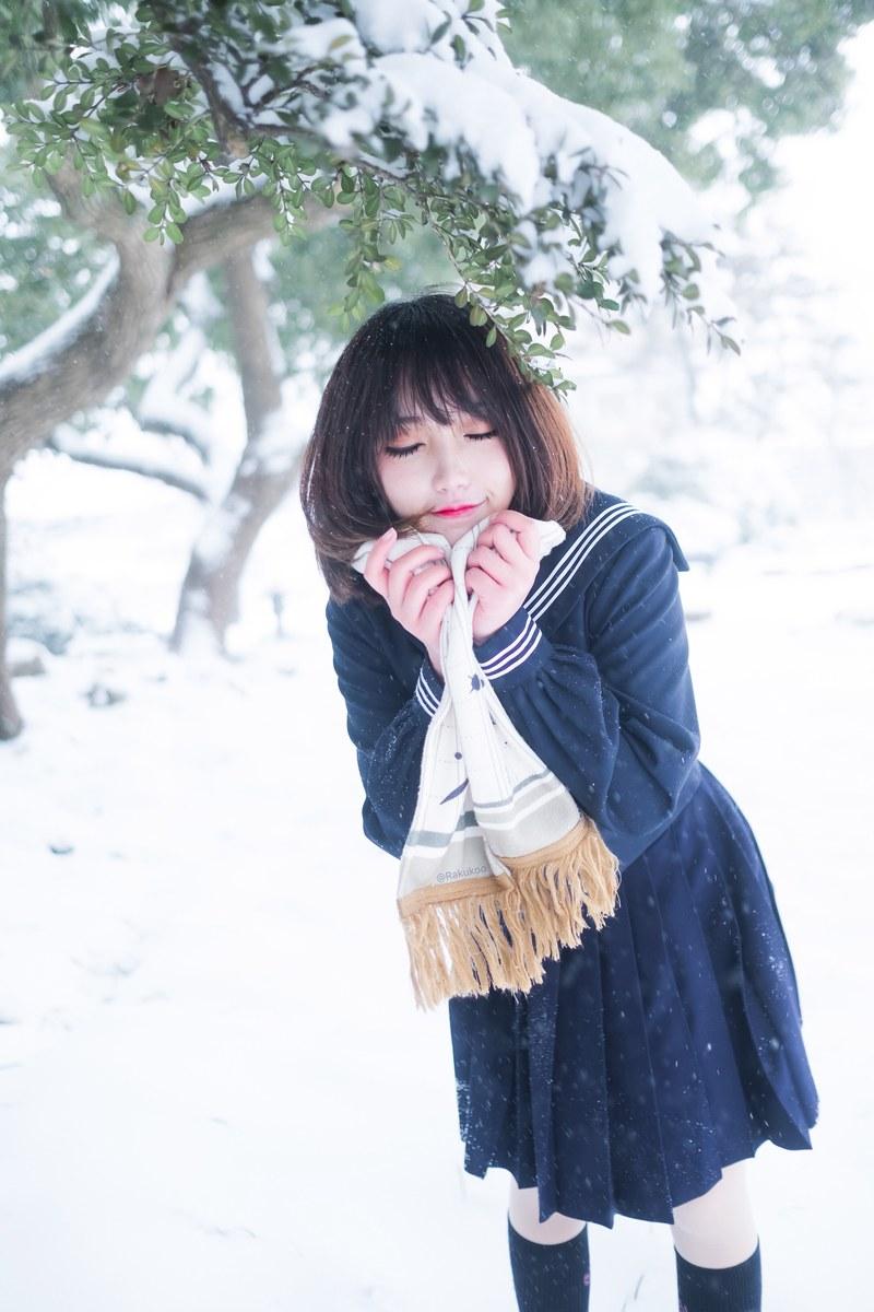萝莉美女犬神洛洛子 雪中jk [23P] -第1张